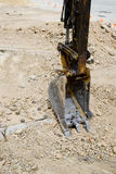 Focus shovel digging in dirt Royalty Free Stock Photos