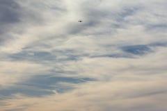 foehn天空和云彩在秋天月11月 库存图片