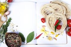 Fof degli ingredienti che produce pasta italiana Fotografia Stock Libera da Diritti