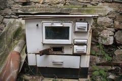 Fogão abandonado fotografia de stock