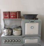 Fogão e forno de gás do vintage. Imagem de Stock