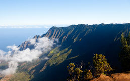 Fog forms on Kalalau valley Kauai Royalty Free Stock Photos