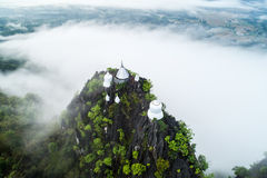 Fog on the Mountain.Wat Mongkut Memorial Rachanusorn a public te Royalty Free Stock Photos