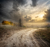Fog over country road Royalty Free Stock Photos