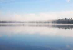Fog over the lake Royalty Free Stock Photography