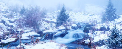Fog in winter mountains Royalty Free Stock Photos