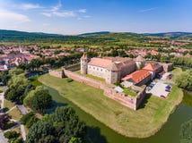 Fogarasch medeltida fästning i staden av Fagaras Transylvania Royaltyfri Foto