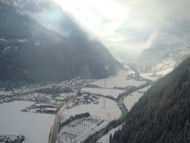 Foggey Tal von Mayrhofen Stockbild