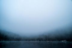 Foggy Lake background Royalty Free Stock Photography