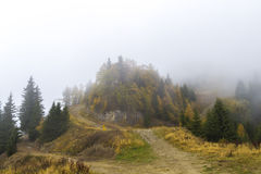 Foggy mountain Royalty Free Stock Images