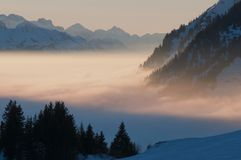 Foggy mountain scenery Stock Photography