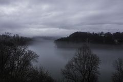 Foggy Potomac River with overcast skies Royalty Free Stock Images