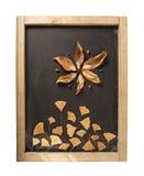Foglia del fiore di autunno della lavagna della composizione in caduta Fotografia Stock Libera da Diritti