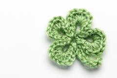 Foglia del trifoglio e del fiore fatta di filato immagini stock libere da diritti