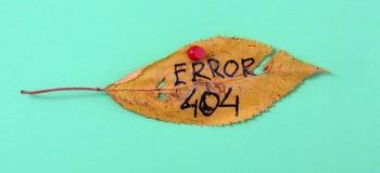 Foglie della noce di autunno con testo scritto a mano Fotografie Stock