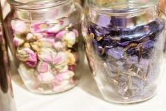 Foglie di tè e fiori secchi Immagine Stock Libera da Diritti