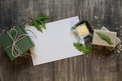 Foglio bianco di carta e della decorazione Fotografie Stock