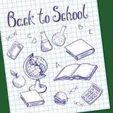 Foglio di carta millimetrata con gli oggetti dipinti sulla lavagna verde della scuola illustrazione di stock