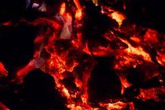 Fogo ardendo sem chama, chama, fogo, faíscas, brasas Fotos de Stock