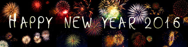Fogo de artifício dos chuveirinhos do ano novo feliz 2016 Fotografia de Stock Royalty Free
