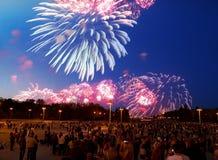 Fogo de artifício em Victory Day, Moscou, Federação Russa Imagem de Stock