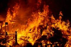 Fogo de Fallas que queima-se no fest de Valência o 19 de março Imagens de Stock Royalty Free