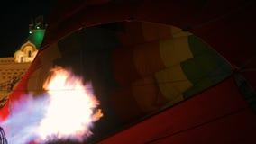 Fogo do queimador do jato de gás no balão de ar quente vídeos de arquivo