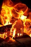 Fogo e brasa Imagens de Stock