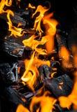 Fogo e carvões imagens de stock