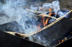 Fogo e fumo em um soldador Foto de Stock Royalty Free