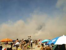 Fogo na praia Imagens de Stock
