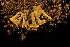 Fogos-de-artifício 2014 anos novos no ouro elegante e no preto Foto de Stock Royalty Free