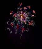 Fogos-de-artifício azuis coloridos fundo, fogos-de-artifício festival, Dia da Independência, o 4 de julho, liberdade Fotografia de Stock Royalty Free