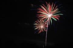 Fogos-de-artifício brilhantemente coloridos Foto de Stock