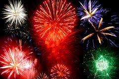 Fogos-de-artifício brilhantes Fotos de Stock