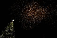 Fogos-de-artifício coloridos nas nuvens Imagem de Stock Royalty Free