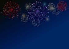 Fogos-de-artifício coloridos no fundo escuro-azul Imagem de Stock
