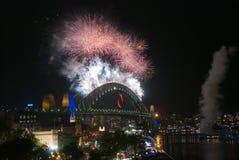 Fogos-de-artifício da ponte de porto de Sydney NYE Fotografia de Stock