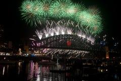 Fogos-de-artifício da ponte de porto de Sydney NYE Imagem de Stock Royalty Free