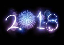 2018 fogos-de-artifício do ano novo feliz fotografia de stock royalty free