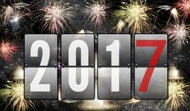 Fogos-de-artifício do ano novo feliz 2017 Fotos de Stock