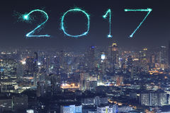 2017 fogos-de-artifício do ano novo sobre a arquitetura da cidade de Banguecoque na noite, Thailan Foto de Stock