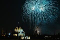 Fogos-de-artifício do ano novo sobre Praga, República Checa Fotografia de Stock Royalty Free