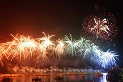 Fogos-de-artifício do arco-íris! fotos de stock