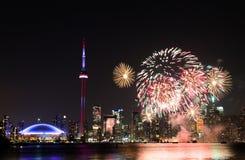 Fogos-de-artifício do dia de Canadá Fotografia de Stock Royalty Free