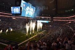 Fogos-de-artifício do estádio de futebol Fotos de Stock