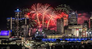 Fogos-de-artifício do festival da liberdade de Detroit foto de stock royalty free