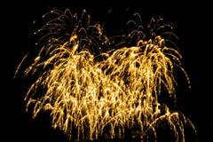 Fogos-de-artifício dourados da faísca - isolado colorido bonito do fogo de artifício Fotografia de Stock Royalty Free