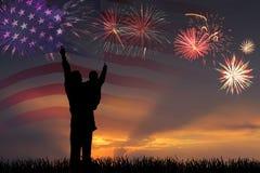 Fogos-de-artifício e bandeira de América imagens de stock