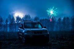 Fogos-de-artifício e carro fotografia de stock